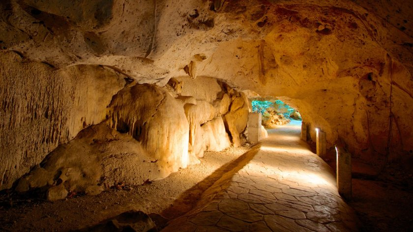 60415-Green-Grotto-Caves